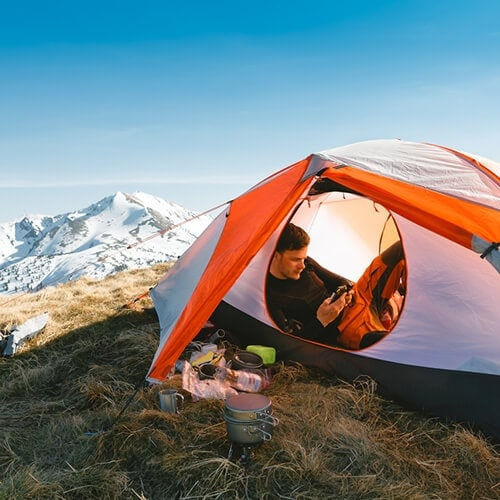 Snow-camping-and-chill