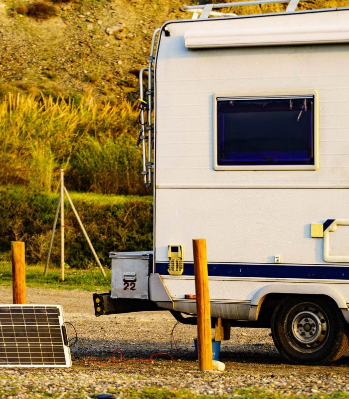 Charging a trailer or campervan batter example with solar